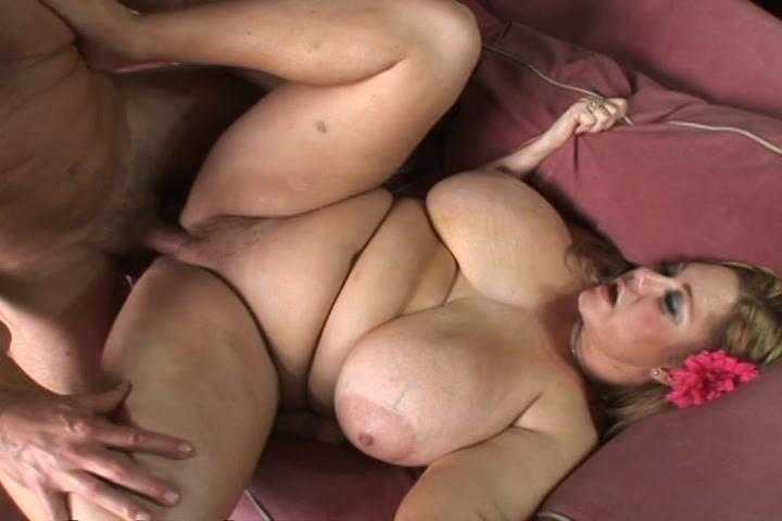 Samantha 38G in BBW Heavy Tits 9