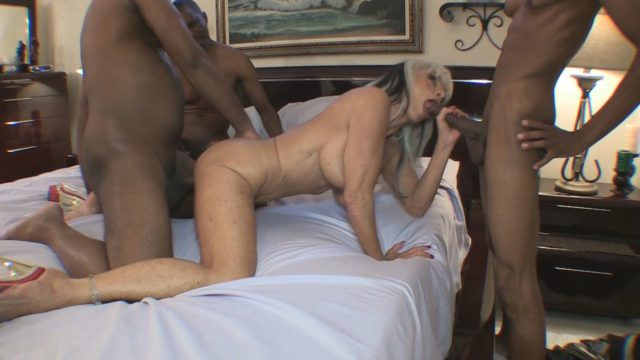 Richard Mann, Sally D'Angelo in 33 Inches Of Black Cock