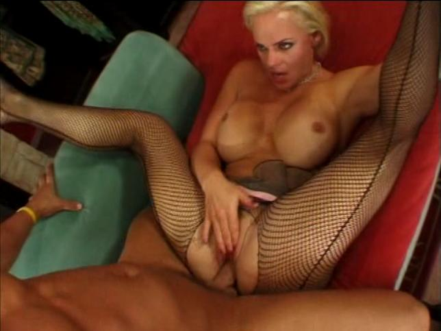 Christian XXX, Cortknee in Cougar Hunt 3