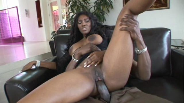 Lexington Steele in Lexington Steele MILF Magnet 4