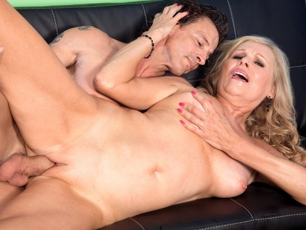 Bethany James in Pantyhose-Wearing Divorcee Gets A Creampie
