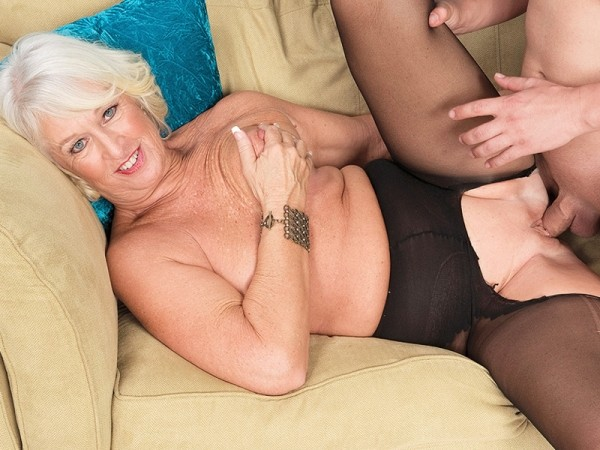 Jeannie Lou in Class and taking it up her 60Something ass