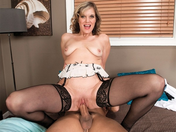 Cami Cline in Divorcee, mother of three, fuck star