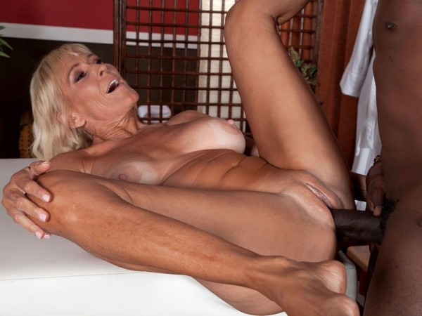Brittney Snow in Brittney Gets Rubbed The Right Way