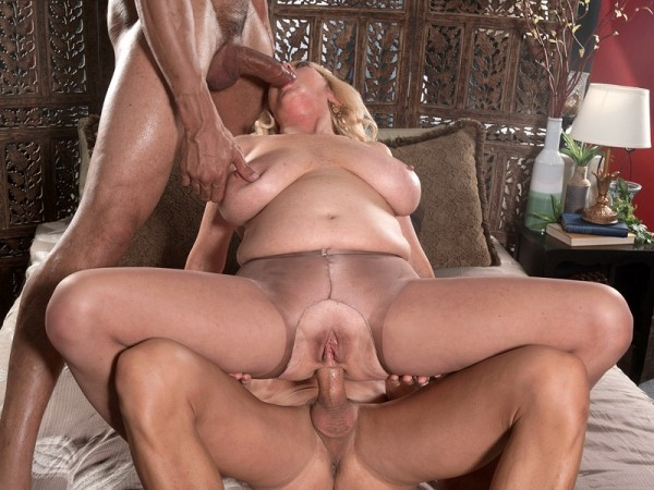 Tahnee Taylor in The Shy Girl Gets Ass-Fucked By Two Studs