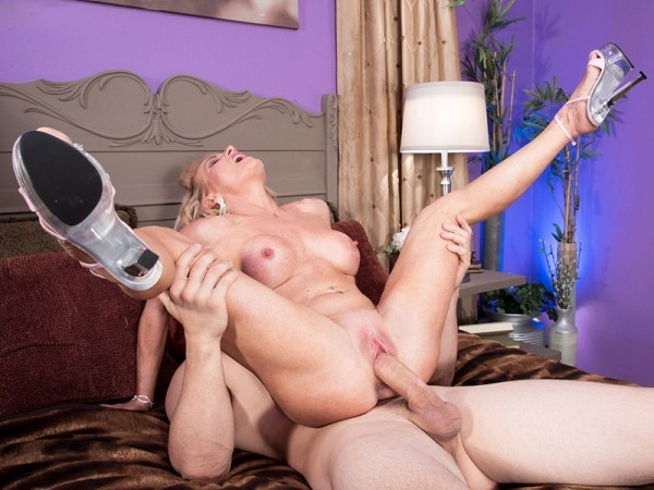 Amanda Verhooks in She Sucks Cock With That Mouth, Too