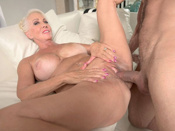 Madison Milstar in anal