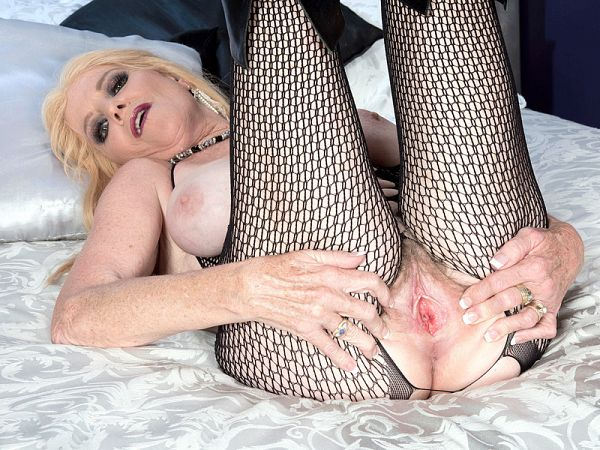 Charlie in The naughty nurse