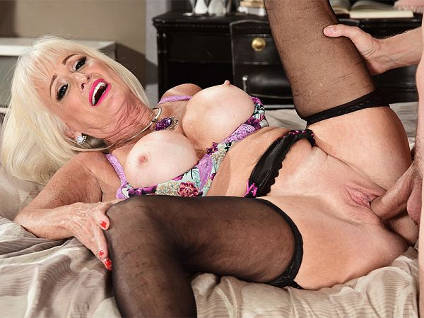 Leah L'Amour in Leah's first video fuck is with a young stud